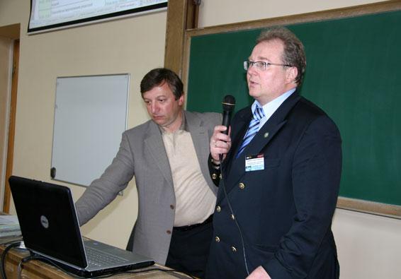 В.Локтев (ЕМТ Р) и А.Боровков (СПбГПУ). Приветственное слово к участникам семинара.