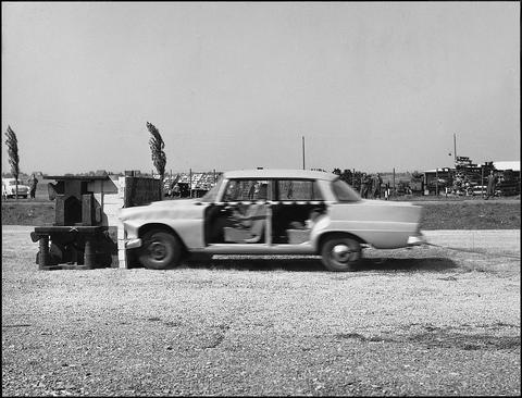 В 1960-е гг. с помощью установки с ракетным двигателем на горячей воде автомобили разгоняли до необходимой для краш-теста скорости