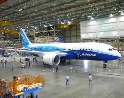2009_1215_Boeing_787_Dreamliner_03