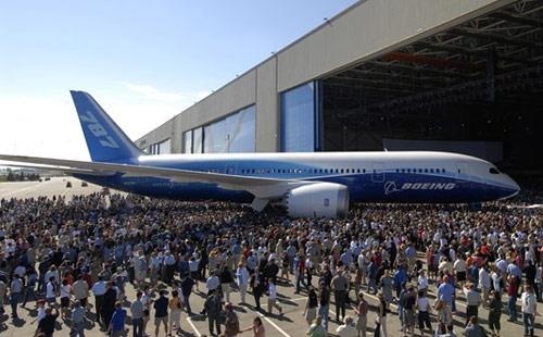 2009_1215_Boeing_787_Dreamliner_05