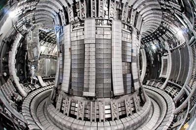 Внутренняя часть реактора JET