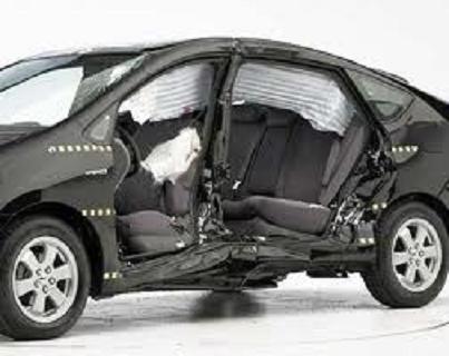 Характерные деформации автомобилей при боковом столкновении