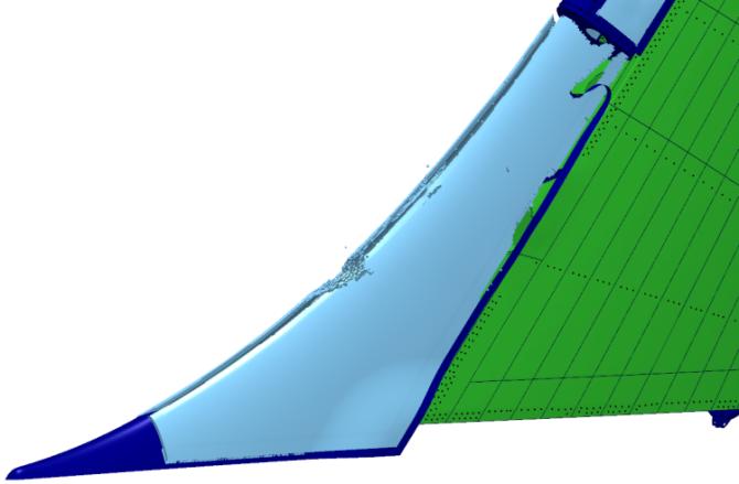 Деформированное состояние форкиля с отображением сотовых структур (слева) и без них (справа)
