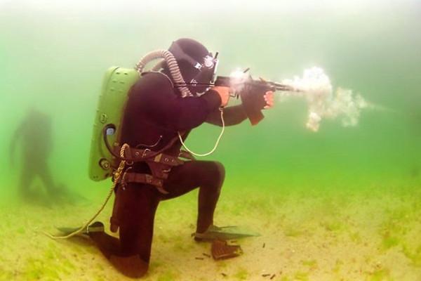 Стрельба из АПС под водой