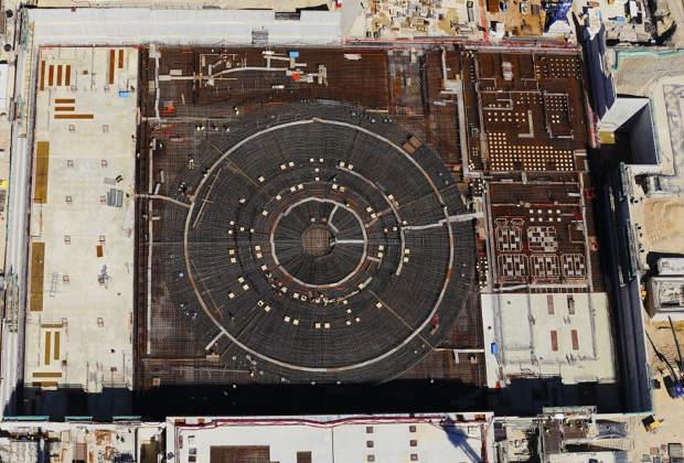 Вид на стройплощадку токамака сверху, полученный 29 апреля 2014 года