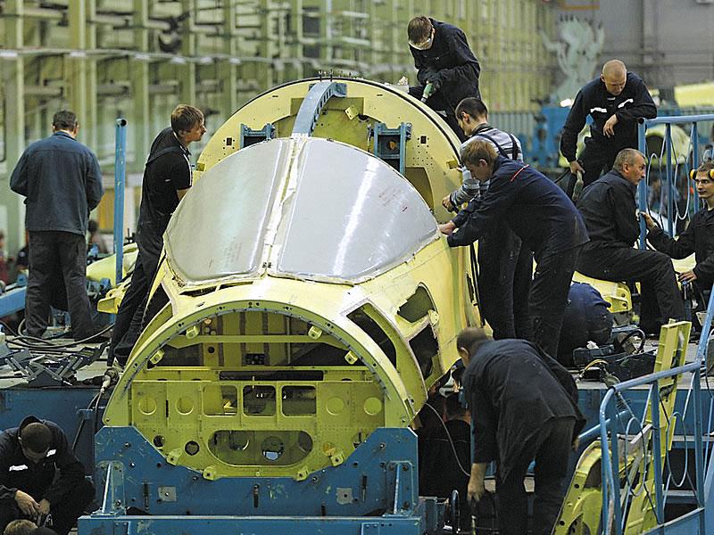 Сборка Су-34 на Новосибирском авиационном заводе им. В.П. Чкалова.