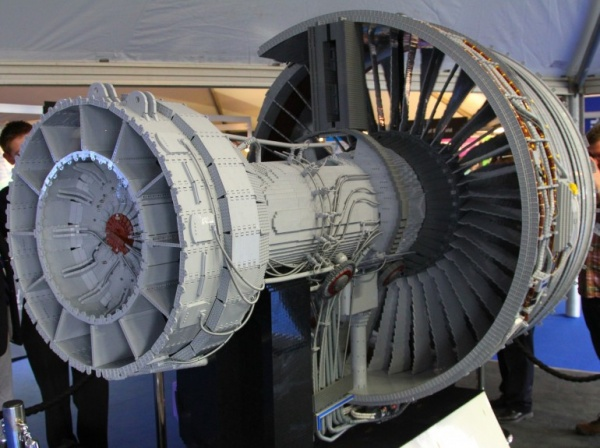 Rolls-Royce Trent 1000 LEGO