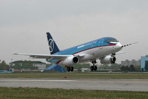 Ближнемагистральный самолет Sukhoi Superjet 100